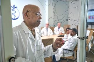 Dr. Vincent Craig Bond